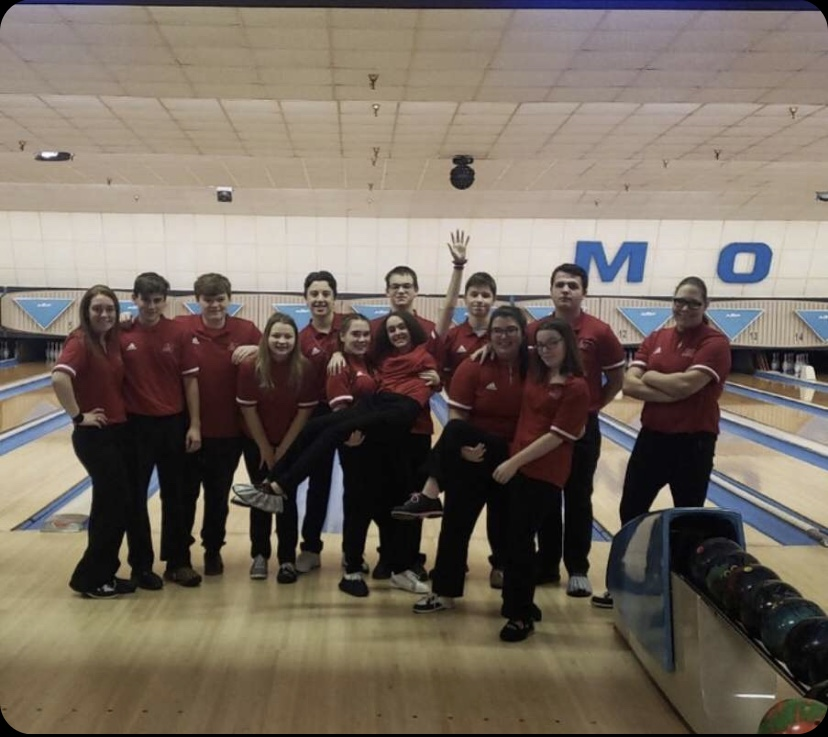 Lake Shore Bowling Stars Make it to States